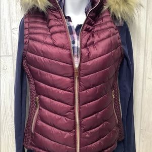 Special One Burgandy Hooded Puffer Vest Size M